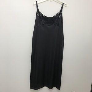 Vassarette Slip lace bodice black